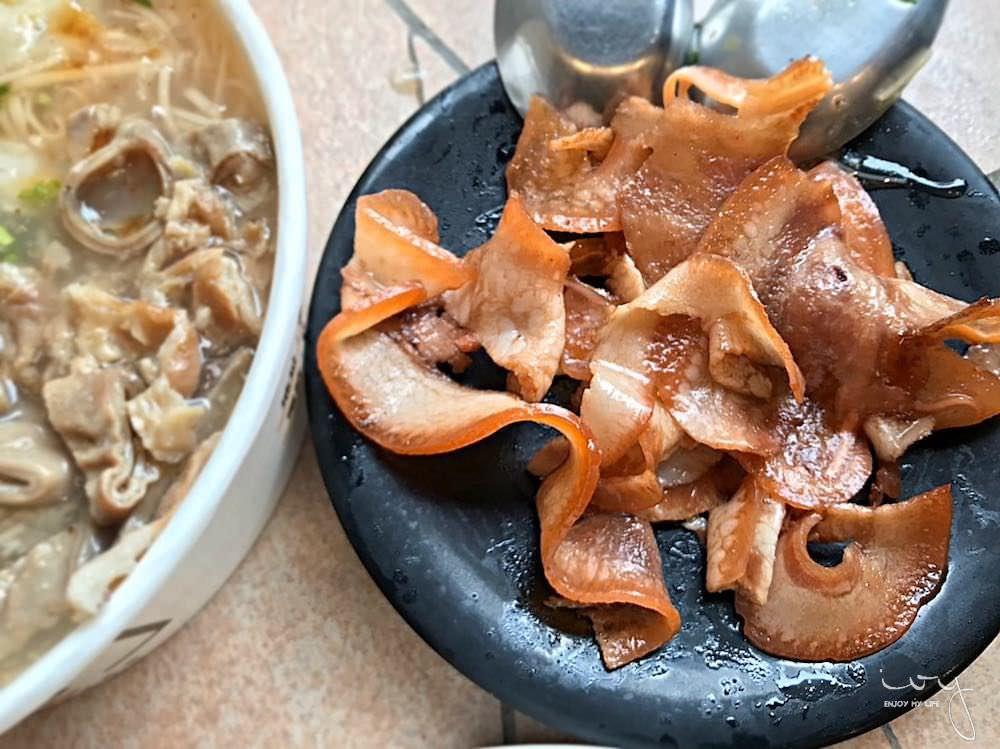 台中好市多旁的銅板美食,滿溢手工麵線