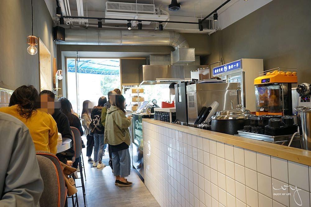 台中人氣韓系文青風早餐 吐司男晨食制造所,丹麥吐司超酥軟,近中國醫藥大學