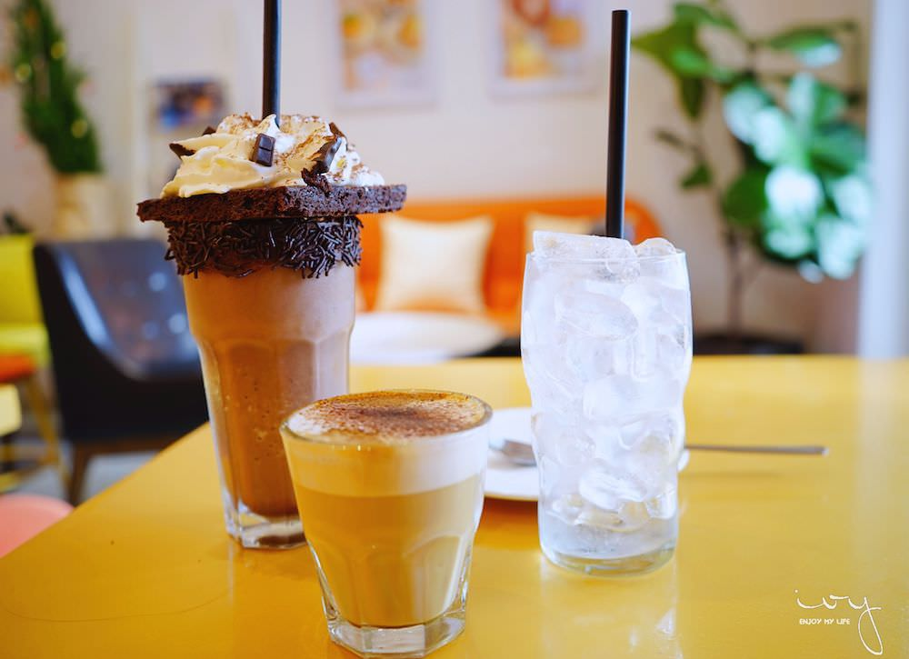 胡志明市景點咖啡公寓,文青又浮誇系的DOSH咖啡廳!