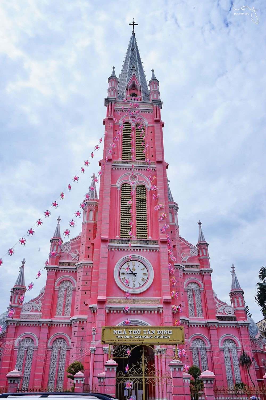 粉紅教堂|胡志明市區IG景點,絕對不能錯過的少女系耶穌聖心堂