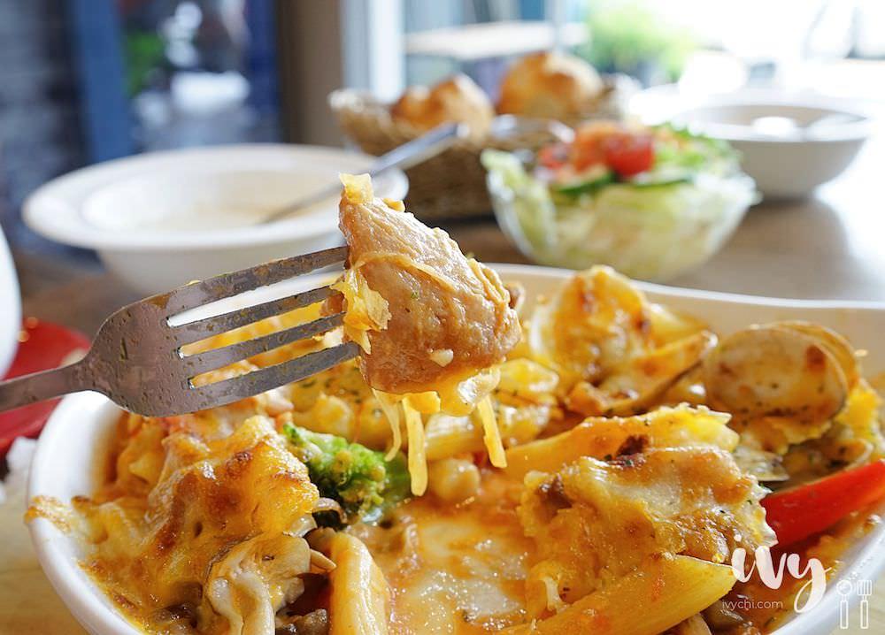 蘿勒廚房|台中大里輕食早午餐推薦,網美最愛的工業風混搭貨櫃風,招牌青醬系列餐點,份量足又價格實惠!
