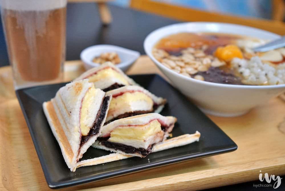 果核豆花鄉 中華夜市旁的傳統甜食推薦,超值套餐手作豆花+飲品+熱壓吐司只要99元,份量飽足誠意滿分!