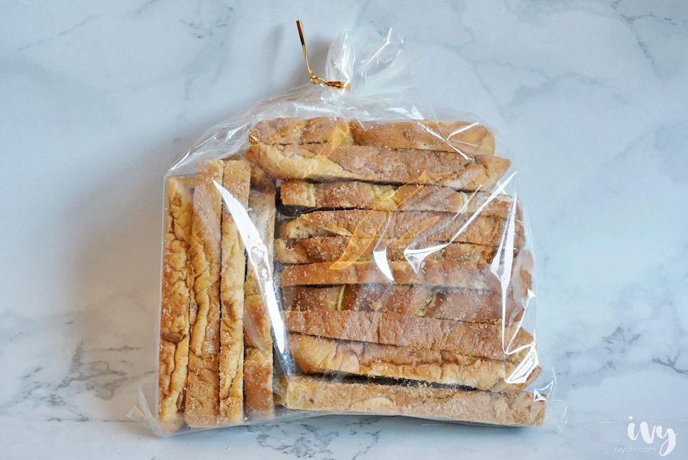 霸歐匠作烘焙  藏身在台中大里仁化黃昏市場內的人氣麵包,比臉大只要80元,每日限量4小時賣完為止!