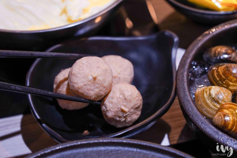 成石鍋物 |台中北區石頭火鍋桌邊炒,商業午餐150元起,內用黑糖珍珠冰、紅茶吃到飽!