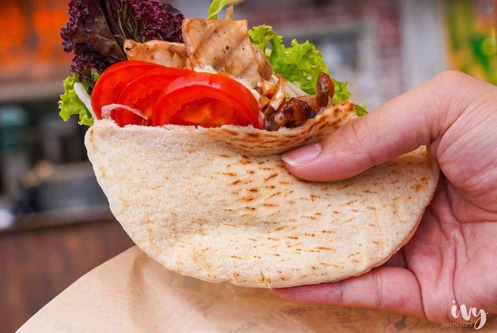 朵拉拉旋轉烤肉 |一中街小吃必推法式烤餅,有日本和牛、雞腿排、牽絲起司和松露醬,竟只要69元!