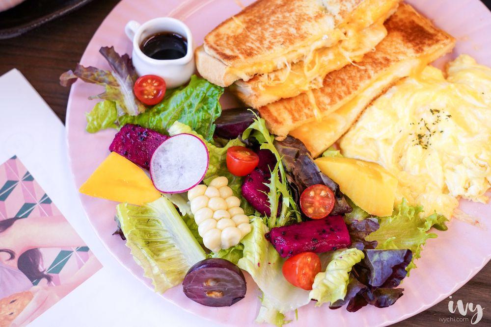 阿飛Brunch,台中東區大魯閣新時代巷弄的文青早午餐,大份量早午餐盤、輕食、咖哩