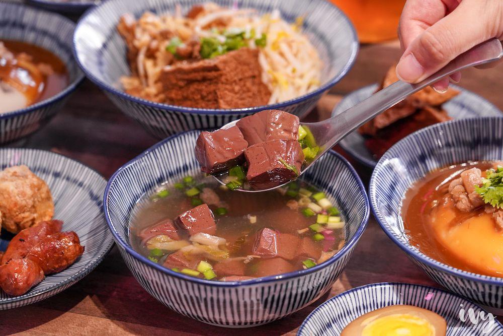 根記碗粿大業店  台中南屯網美級碗粿店,幾乎50元銅板有找,還能吃到彰化古早味拉仔麵、筒仔米糕!