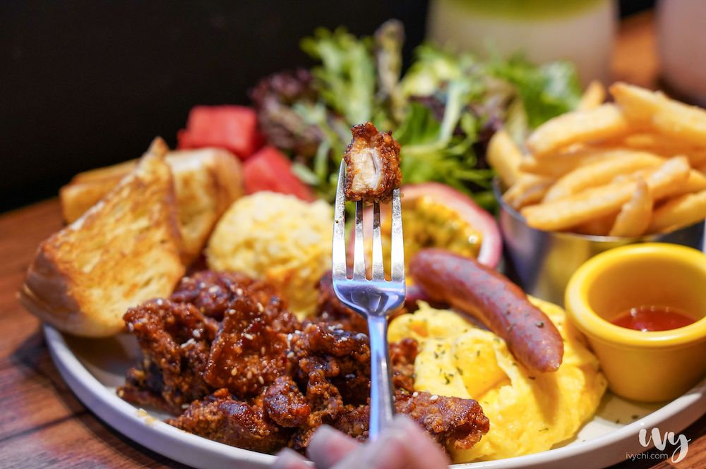 小紐約  中科商圈美食推薦,美式餐酒館風+澎湃早午餐盤,到下午5點都還吃得到!