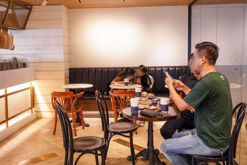 咖啡任務 CAFETASK  台中南區36樓不限時咖啡廳,玻璃窗座位超搶手,必點金鍋鬆餅