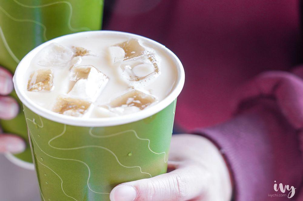 中清路美食,近台中中央公園飲料店,嚴選南投松柏嶺青茶、在地水果茶,憑發票買飲料就可送原茶!茶鄉