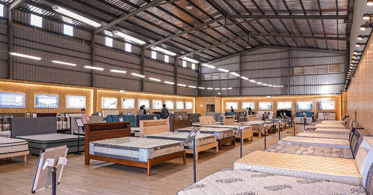 台中龍井超大床墊量販場,除舊換新就趁現在,歐洲進口床墊購買超低優惠價,還有多樣式床櫃一起加購!