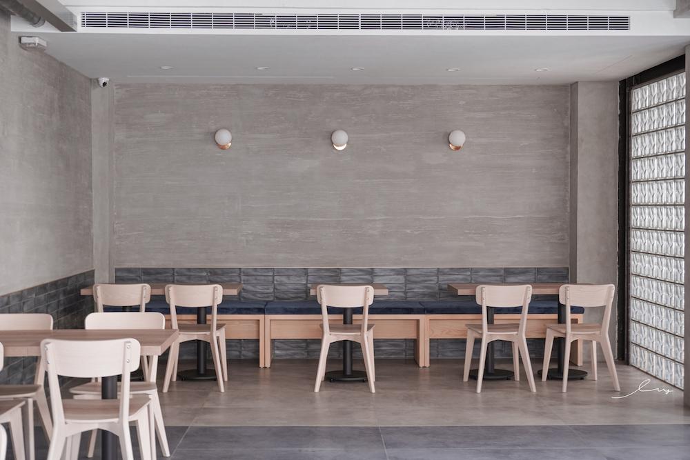 法希諾 |台中後火車站人氣甜點店,挑高天井設計加5款舒芙蕾,下午茶超享受!