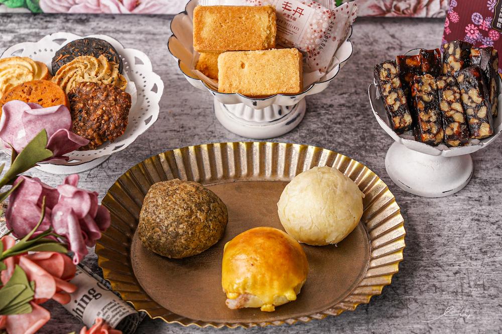 丰丹嚴選  台中伴手禮推薦,把台灣名產的阿薩姆紅茶、松子變成中秋月餅,高質感中秋送禮首選!