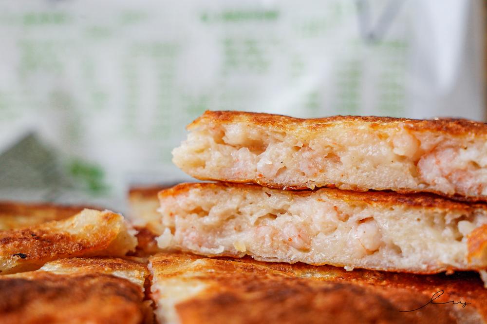冷凍宅配美食推薦 |良品開飯 月亮蝦餅,厚達1.5公分,咬得到爆餡噴汁蝦仁超過癮!