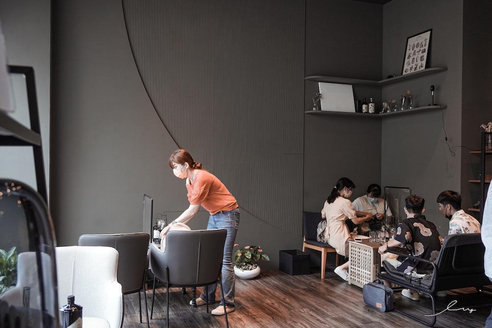 離域Cafe |台中精明商圈咖啡廳推薦,抹茶布丁、抹茶乳酪蛋糕、抹茶生乳捲、抹茶千層蛋糕,讓抹茶控下午茶甜點吃的夠!