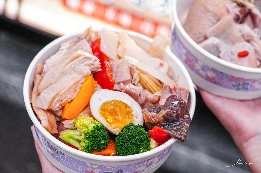 戰鬥雞無骨油雞醉雞 精誠店 台中精誠路美食,必點超大支土雞腿、雞腳,點套餐有蔬菜雞肉高CP值又澎湃!