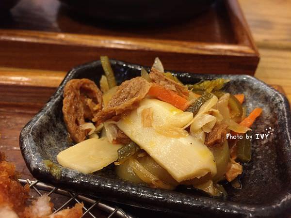 綠光咖哩 小菜