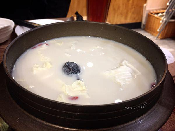 拾暖食鍋處 豆漿鍋