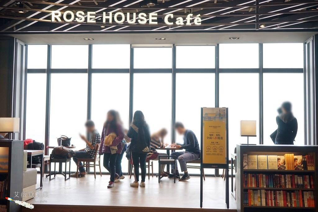 MITSUI OUTLET PARK 台中港 || 台中三井OUTLET全台首座海港摩天輪和海景誠品書店,逛街美食攻略